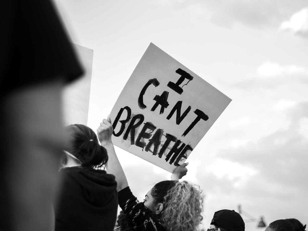 Was bedeutet Black Lives Matter auf Deutsch?